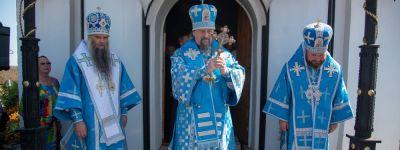 Епископ Валуйский Савва сослужил белгородскому митрополиту Иоанну в Свято-Троицком Холковском монастыре