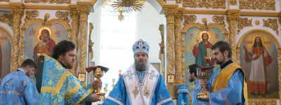 Благовещенье встретили в Свято-Николаевском кафедральном соборе в Валуйках