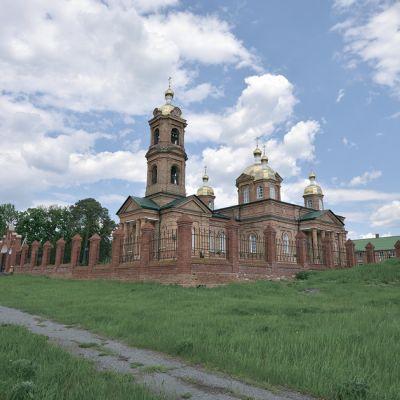 Храм Воскресения Христова в селе Зимовеньки