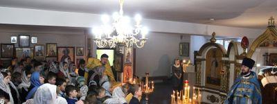 Ученики белгородской православной гимназии приняли участие в литургии в честь праздника Введения во храм Богородицы и Приснодевы Марии