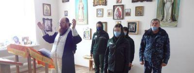 Православные осужденные в колонии в Валуйках отметили Крещение молебном и святой водой