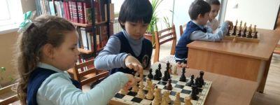 Шахматный турнир среди гимназистов младших классов состоялся в старооскольской православной гимназии