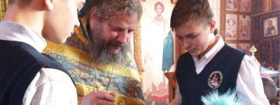 Старооскольские православные гимназисты побывали на литургии в праздник Введения во храм Богородицы, которую возглавил духовный попечитель гимназии