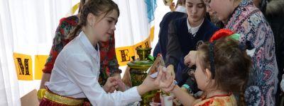 Благотворительную ярмарку на Масленицу провели в православной гимназии в Старом Осколе