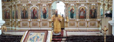 В Неделю Торжества православия Епископ Валуйский совершил литургию в Свято-Николаевском кафедральном соборе