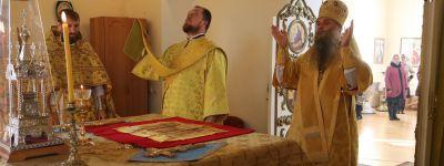 Епископ Валуйский совершил литургию на престольном празднике в Долгом