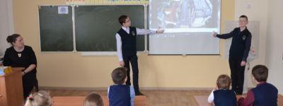 Операцию тимуровцев «О подвигах, о доблести, о славе» провели в старооскольской православной гимназии