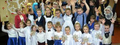 Дети из воскресной школы и из детского сада «Золотая рыбка» в Валуйках подготовили Рождественский концерт