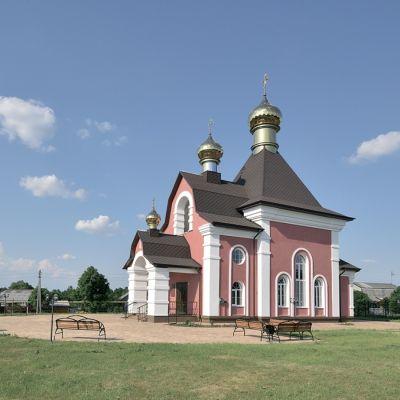 Храм святых мучеников Флора и Лавра в селе Хохлово