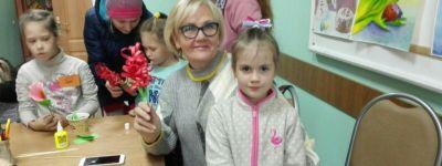 Семейные мастер-классы по рукоделию провели в православном детском центре в Губкине