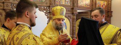 Божественную литургию в возрождаемом Николо-Тихвинском монастыре в Пятницком совершил епископ Валуйский
