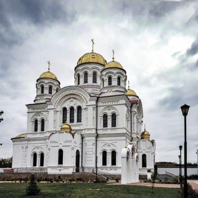 Свято-Николаевский кафедральный собор в городе Валуйки