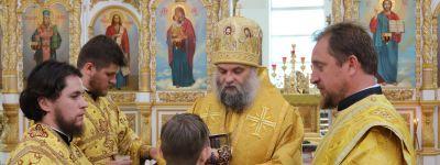 Епископ Валуйский в праздник Всех Святых совершил Божественную литургию в Свято-Николаевском соборе