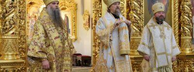 Епископ Валуйский пожелал митрополиту Белгородскому в День тезоименитства мира душевного, который отличает всех святых угодников Божиих
