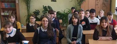 О Великом посте и Светлом Христовом Воскресении поговорил с учениками Мандровской школы настоятель храма Рождества Христова