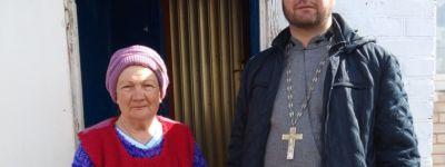 Настоятель храма Рождества Пресвятой Богородицы обеспечил продуктами питания пенсионеров в селе Алексеевка