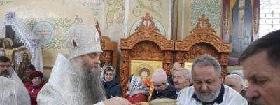 Чин Великого освящения воды в Никольском храме города Валуйки совершил в Крещенский сочельник епископ Валуйский