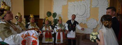 Свадьбу по древним канонам сыграли в городе Алексеевка