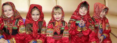 Настоятель Покровского храма поздравил ветеранов из Иловского интерната с праздником