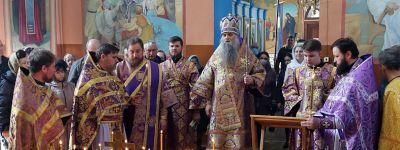 Епископ Валуйский совершил Божественную Литургию в храме святителя Митрофана Воронежского в Бирюче