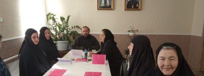 В Воскресенском монастыре в Зимовеньке  прошло первое занятие богословских курсов для монашествующих