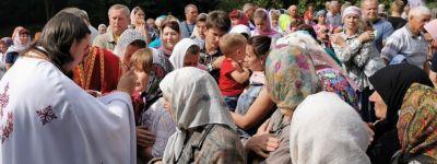 Крестный ход на источник святого великомученика Пантелеимона совершили в Вязовом