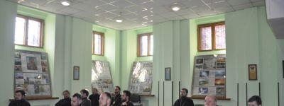 Духовенство 1-го Губкинского благочиния собралось в Спасо-Преображенском кафедральном соборе вместе с прихожанами
