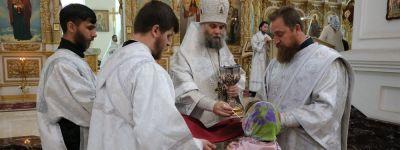 Епископ Валуйский возглавил торжественное богослужение в Свято-Николаевском кафедральном соборе в праздник Вознеснения Господня