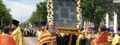 Крестный ход с иконой святителя Николая Ратного прошёл в Шебекинском благочинии
