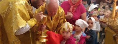 Ребята из детского сада «Улыбка» побывали на литургии в храме Новомучеников и Исповедников Белгородских