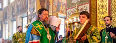 Белгородская епархия сообщила график богослужений и встречи Благодатного огня на Страстной седмице
