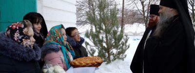 Епископ Валуйский в Крещенский сочельник совершил литургию в храме в Лесном Уколово