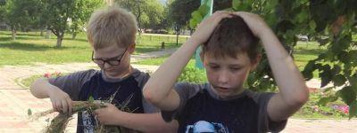 Троицкие венки сплели в школе в Верхопенье
