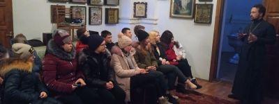 Ребята из Кустового в День православной молодёжи посмотрели фильм и обсудили с батюшкой значение веры в  жизни