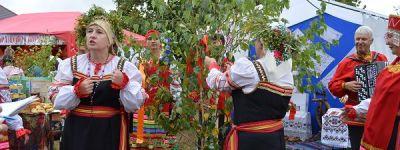 Благочинный Краснояружского округа поздравил с открытием фестиваля «Славянский круг»