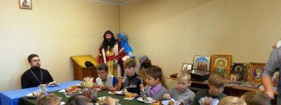 Сладкий стол для детей из социально-реабилитационного центра организовали в храме в Ивне