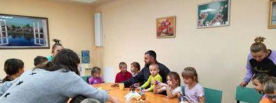 Настоятель храма святого апостола и евангелиста Иоанна Богослова навестил ребят в детском реабилитационном центре