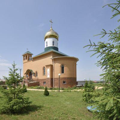 Храм в честь Сретения Господня в селе Лапыгино