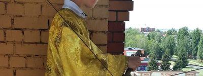 Праздничным колокольным звоном встретили День Крещения Руси в Строителе