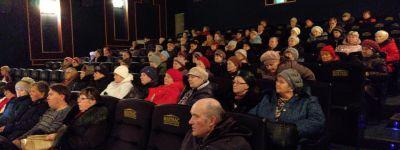 Участники губкинского киноклуба «Россы» побеседовали со священником о Рождественском посте