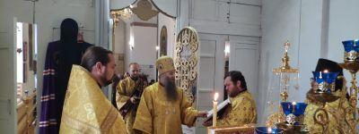 Епископ Валуйский совершил богослужение в Успенском храме в Ливенке