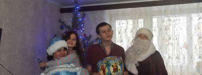 Социальный работник Александро-Невского кафедрального собора сделала подарки детям-инвалидам в Старом Осколе