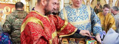Воспитанники воскресной школы в Ивне порадовали прихожан праздничными колядками