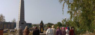 Панихиду по жертвам войны отслужили в посёлке Пятницкое