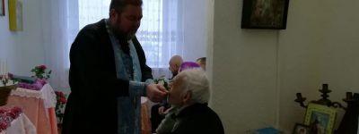 Батюшка навестил ветеранов в отделении «Красненского дома милосердия» в Новоуколово