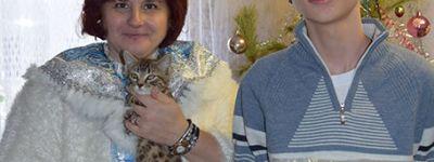 Складень с образом Богомладенца Христа и наборы сладостей получили в подарок ребята-инвалиды в приходе Александро-Невского кафедрального собора