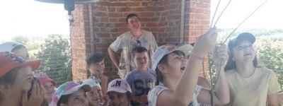Школьники в праздник побывали в Покровскои храме в селе Смородино