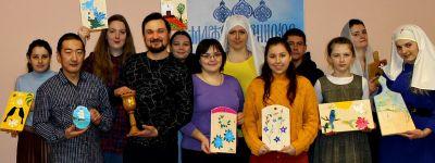 Первый мастер-класс для Пасхальной ярмарки прошёл в белгородском сестричестве милосердия