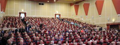 Епископ Губкинский поздравил губкинцев с 55-летием образования района