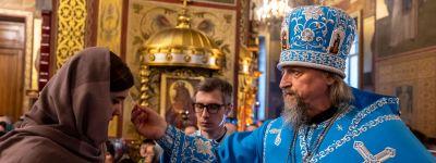 В праздник Благовещения Пресвятой Богородицы митрополит Белгородский совершил Божественную литургию в Благовещенском храме посёлка Ясные Зори